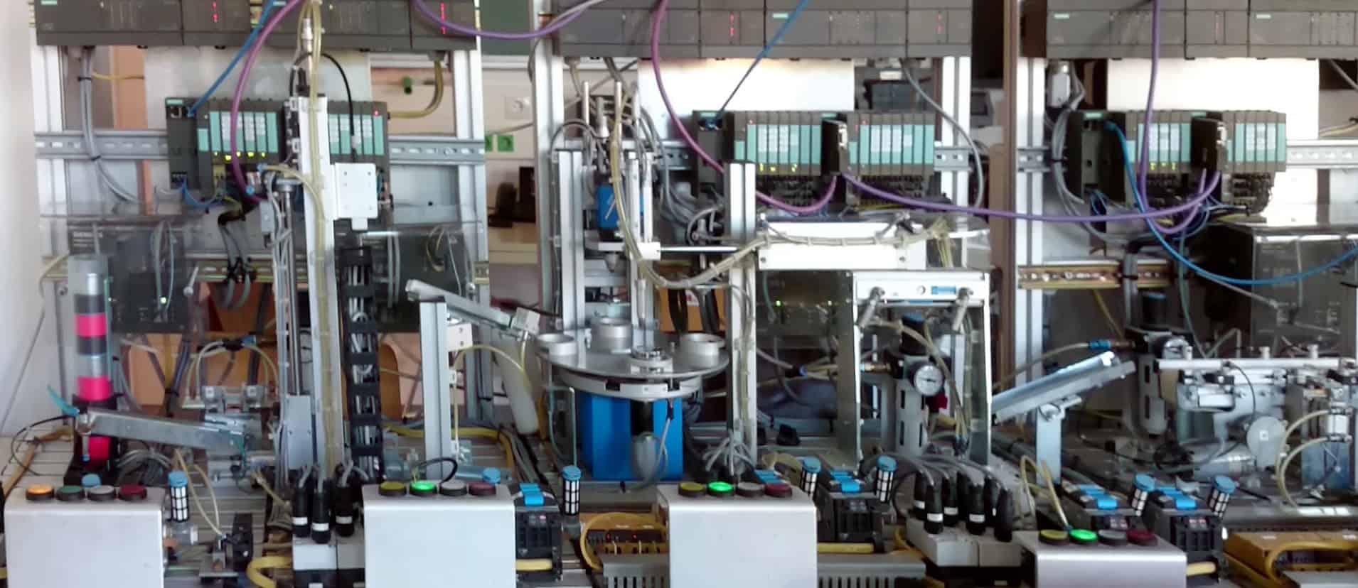 Labor-Produktionsstraße der Automation Systems Group der TU Wien
